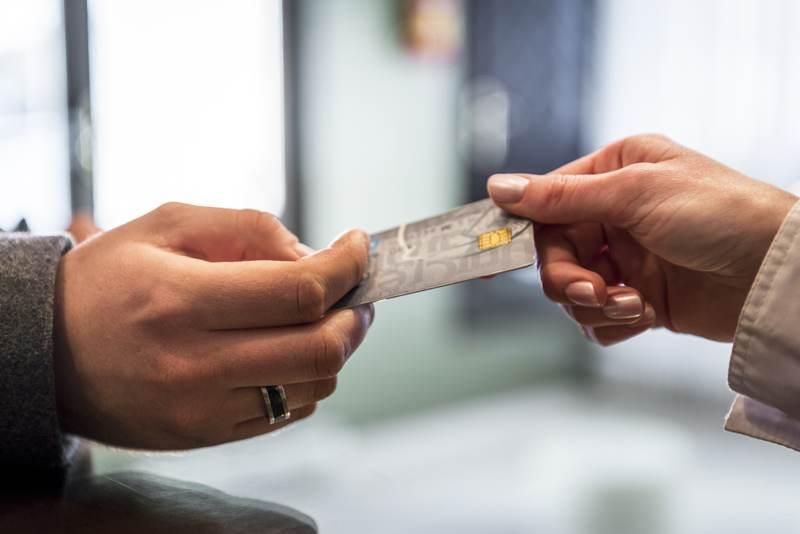 4 Common Credit Card Myths
