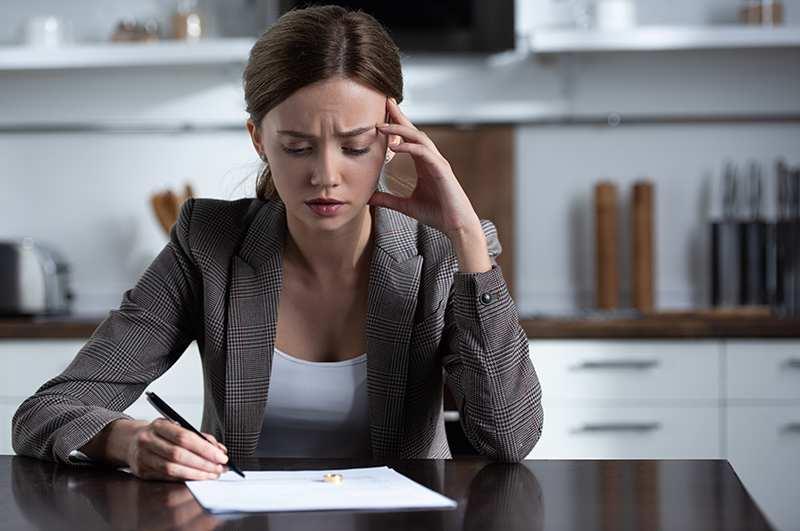 How Divorce Lowers Credit Score